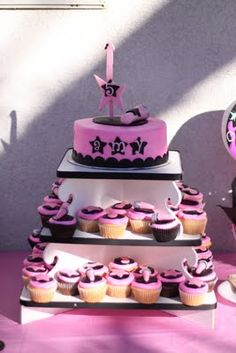 rock star cake and cupcakes