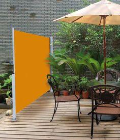 Blickdichte Seitenmarkise - ein ausziehbarer Windschutz für Terrasse