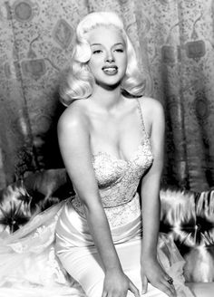 "summers-in-hollywood: ""Diana Dors, "" Pin Up Vintage, Looks Vintage, Vintage Glamour, Vintage Beauty, Diana Dors, 1950s Hairstyles, Vintage Hairstyles, 1950s Hair And Makeup, 1950s Makeup"