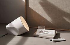 """Unter dem Titel""""Modernism Reimagined"""" bringtMenu Design für 2016 eine ganze Kollektionan Möbeln, Einrichtungsgegenständen und Accessoiresheraus, die den Spirit der 50er Jahre neu aufleben lässt. Szenen, wie aus einem Mad Men Set: Dieneue Kollektion """"Modernism Reimagined"""" von Menu ist eine Hommage … Weiterlesen"""