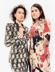 marcjacobs: Ilana Glazer and Abbi Jacobson wearing Marc Jacobs Spring Shot by Andreas Laszlo Konrath for Marie Claire Broad City, Abbi Jacobson, Historical Women, Historical Pictures, The Hollywood Reporter, City Girl, Chiffon Tops, Marc Jacobs, Street Style