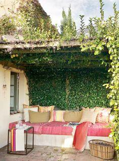 25 Delightful Mediterranean Outdoor Areas | DigsDigs