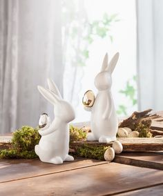 Easter table decoration – charming ideas with practical value - Make Easter Decorations Hoppy Easter, Easter Gift, Easter Bunny, Diy Osterschmuck, Clay Art Projects, Easter Table Decorations, Easter Season, Easter Traditions, Easter Holidays