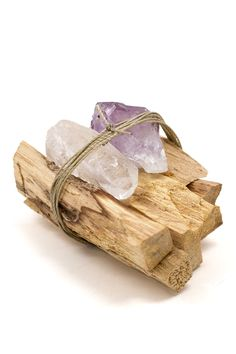 Palo Santo Sticks have been used in rituals for centuries. Inspire cleansing, purification, and healing in your home or soul by burning these soothing sticks. Amethyst and quartz crystals are included