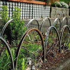 LOVE! Garden art from old bike parts!