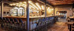 LIEBESBIER Restaurant & Craft Bier  Auf dem alten Brauereigelände der Maisel Brauerei in Bayreuth entstand in enger Zusammenarbeit mit Jeff Maisel und Thomas Wenk ein einzigartiger Ort für Liebhaber des Gerstensafts und der Esskultur. Eine Brauanlage für Spezialitäten, offenes Feuer und eine Bäckerei unterstützen die Bar in Ihrem Mix zwischen Tradition und Jetzt. Die warme Atmosphäre und die Berührbarkeit der Materialien stehen im Vordergrund und spiegeln die 100% Echtheit wider.