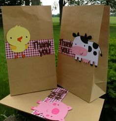 Barnyard Farm Animal Bash Goodie Bag set of 10 ( Colors and animals can be altered ) Farm Animal Party, Farm Animal Birthday, Cowgirl Birthday, Farm Birthday, 3rd Birthday Parties, Birthday Ideas, Farm Themed Party, Barnyard Party, Farm Party