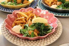 Friet met mayo en garnalenkroketjes
