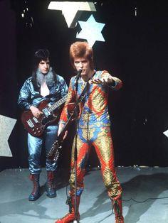 David Bowie - Starman 1972  Found on independent.co.uk Trevor Bolder, Iggy Pop, Classic Rock, Rock Revolution, Spiders From Mars, Marc Bolan, Greatest Songs, Ziggy Stardust, Jimi Hendrix