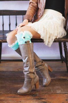 Mint Knitted Leg Warmers Lace Button Down Lacy por ThreeBirdNest