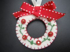 Felt Christmas Wreath Ornament (maybe green felt?)