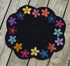 Wool flower table mat