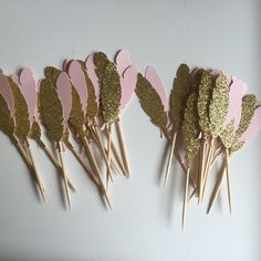 Boho feather cupcake toppers ... A wonderful touch to your table!