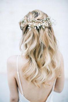 Pin by zoeshaww on wedding wedding hair half, bridal braids, bridesmaid hai Bridal Braids, Wedding Braids, Loose Wedding Hair, Wedding Hair And Makeup, Hair Makeup, Loose Hairstyles, Bride Hairstyles, Brunette Hairstyles, Flower Hairstyles