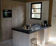 Massief eiken keuken - Kledingkasten - Keukens - Kasten - Keukens - Balies - Kasten - Catalogus - Interiom