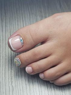 New pedicure designs spring toes rhinestones Ideas Pretty Toe Nails, Cute Toe Nails, Gorgeous Nails, Nice Nails, Pedicure Designs, Pedicure Nail Art, Toe Nail Designs, Pedicure Ideas, Toe Nail Color