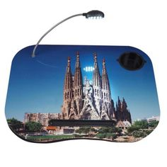 Práctica mesa portátil.Modelo Sagrada Familia.  http://www.cosaspararegalar.es/ideas-para-regalar/regalos-practicos/mesas-tablet/sagrada-familia.html