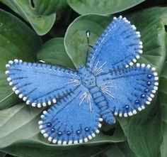 ideas embroidery butterfly felt for 2019 Denim Crafts, Felt Crafts, Fabric Crafts, Fabric Butterfly, Butterfly Crafts, Butterfly Ornaments, Felt Embroidery, Felt Patterns, Animal Patterns