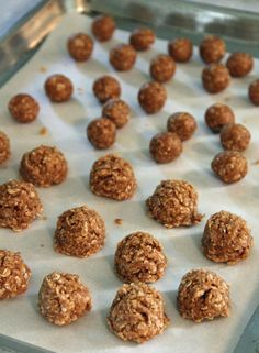 Sue here today. I wanted to share this super quick recipe I found for puppy treats.    This is perfect for the summer when you don't wa...