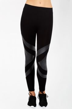 PU TRIANGLE PANEL LEGGING