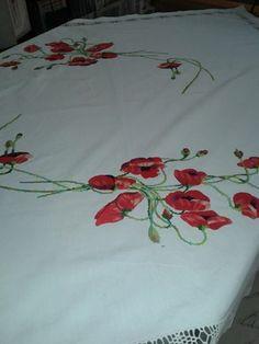 Foto: Mbulese tavoline  lino punuar me pune me mbushje...