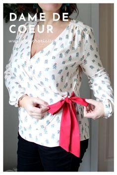 """A vous la jolie blouse cache-cœur, à la fois féminine, facile à porter et originale ! Le patron """"Dame de Coeur"""" est disponible en PDF du 34 au 56 dans la boutique Chut Charlotte ! Chut Charlotte, Bell Sleeves, Bell Sleeve Top, Couture, Boutique, Long Sleeve, Women, Fashion, Budget"""