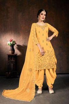 Patiala Suit, Punjabi Suits, Salwar Kameez, Patiyala Dress, Fashion Pants, Fashion Outfits, Net Gowns, Salwar Suits Party Wear, Yellow Suit