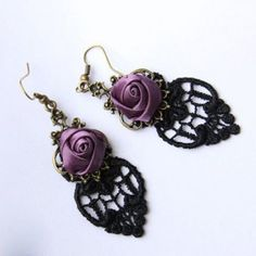 Vintage Rose and Lace Jacquard Embellished Women's Earrings (BLACK)