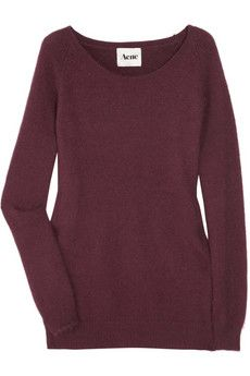 Oxblood basic sweater with crew neck and long sleeves