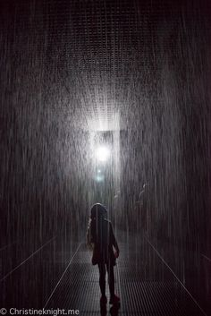 Rain Room Melbourne Travel Expert, Travel Guides, Travel Tips, Travel Destinations, Bad Photos, Cool Photos, Rain Photography, Travel Photography, Travel With Kids