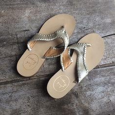PRICE DROP: Jack Rogers size 5 Jack Rogers: Megan Whipstitch Thong Sandal, Platinum/Gold. Only worn a handful of times - like new condition. Make an offer and I'll try my best to work with you to get your poshmark find  no trades please Jack Rogers Shoes Sandals