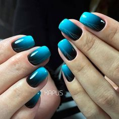 Semi-permanent varnish, false nails, patches: which manicure to choose? - My Nails Fabulous Nails, Gorgeous Nails, Pretty Nails, Ombre Nail Designs, Nail Art Designs, Fancy Nails, My Nails, Blue Shellac Nails, Fingernails Painted