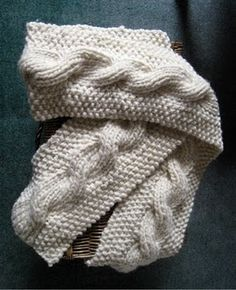 Reversible cable scarf that's perfect for the holidays!  Free pattern!