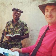 estudo bíblico a um soldado em Malawi