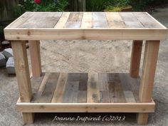 Pallet kitchen island work table and put it on wheels would be great Pallet Crafts, Diy Pallet Projects, Pallet Ideas, Home Projects, Woodworking Projects, Pallet Workbench Ideas, Woodworking Basics, Pallet Furniture Kitchen Island, Pallet Island