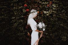 Dreamy modern bridal style with modest and simple bouquet | Image by Matt Lien