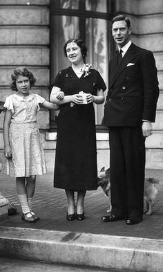 George, Duke of York - and Elizabeth, Duchess of York - with their daughter Princess Elizabeth on the terrace at 145 Piccadilly, London, their home before the Duke's accession to the throne. (Photo by Lisa Sheridan/Studio Lisa/Getty Images) Duchess Of York, Duke Of York, Duchess Kate, Queen Mother, Queen Mary, Royal Family Pictures, King George, George Duke, Lady Elizabeth