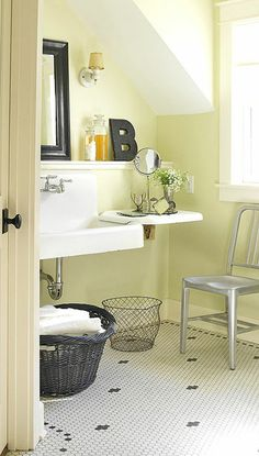 Bathroom - Suite 3: I love the vintage kitchen sink and tiles in this bathroom.