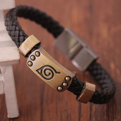 Are you a hardcore Naruto fanatic? This Naruto Konoha Brown Bracelet is the one you've been looking for and will absolutely look just great for your upcoming cosplay. Get yours today and be a great ni