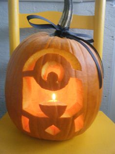 Minion Pumpkin http://www.kidzworld.com/article/27521-despicable-me-2-pumpkin-carving-templates#