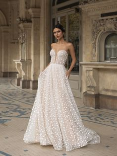 51 Best Beach Wedding Dresses For Seaside Ceremony beach wedding dresses a line sweetheart strapless neckline pronovias Pronovias Wedding Dress, Lace Wedding Dress, Sweetheart Wedding Dress, Lace Dress, Mermaid Wedding, Lace Corset, Simple Sexy Wedding Dresses, Best Wedding Dresses, Bridal Dresses