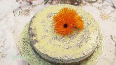 Mohn vereint mit leckerer Sahne und cremigem Eierlikör - diese Torte verspricht ein wahres Geschmackserlebnis!