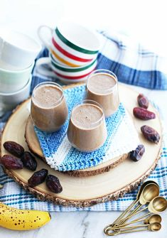 Creamy Date Coffee Breakfast Smoothies Coffee Breakfast Smoothie, Breakfast Smoothie Recipes, Best Breakfast, Breakfast Bites, Date Smoothie, Smoothie Drinks, Meal Replacement Smoothies, Strawberry Smoothie, Unsweetened Almond Milk