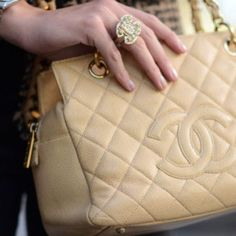 This is one of my favorite Chanel bags Love Song Baby, What To Wear Today, Best Bags, Nude Color, Chanel Boy Bag, Chanel Bags, Coco Chanel, Classy And Fabulous, Girls Best Friend
