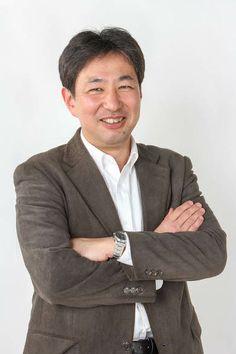 ゲスト◇江田 賢二(Kenji Eda)1965年横浜市生まれ。高校卒業後、経理系の専門学校に入学。86年に日本コンピュータ開発に経理事務員として入社。経理・総務の仕事一筋で仕事をしていましたが、10年前に当時の高瀬社長が打ち出した「地方の学生を採用し東京で一人前に育て、当社の社員の身分のまま地元に帰れるようにする」という事業に採用面から深く関与する ようになって、多くの若者を採用した責任から、IT企業だから出来る地方の活性化、中小企業の活性化について考えるようになり、仕事を離れたところで、いろいろな活動展開。 その活動を通じてコマ大戦と出会い、コマ大戦の面白さに魅了され、様々な製造業の皆さんと交流。「くるみる」のアプリや「コマ実験セット&コマシミュレータ」など会社レベルで新たな分野に挑戦しています。  株式会社 日本コンピュータ開発 http://www.nck-tky.co.jp