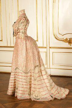 Resort dress worn by Empress Elisabeth of Austria, ca 1890's Austria, the Sisi Museum (Side View)