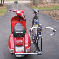 Bicycle rack mounted to Vespa Vespa Gts, Scooters Vespa, Motos Vespa, Scooter Bike, Lambretta Scooter, Motor Scooters, Motorcycle Bike, Pimp Your Bike, Bicycle Pictures