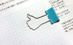 Grampo para papel imita o curtir do Facebook, serve até como chaveiro