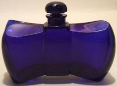 """Parfum Coque d'OR Guerlain . Célébre flacon """"noeud de papillon"""" en Cristal de Baccarat . 1937"""