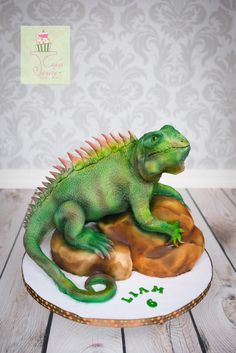 For my son's birthday tomorrow. Rock is cake and iguana is modeling chocolate on foil and copper armature, covered in fondant. Lizard Cake, Reptile Party, Fantasy Cake, Cupcake Cakes, Cupcakes, Cake Shapes, Edible Creations, Sculpted Cakes, Animal Cakes